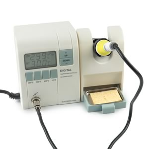DELUXE DIGITAL SOLDERING STATION