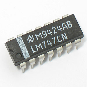 LM747 Dual Operational Amplifier